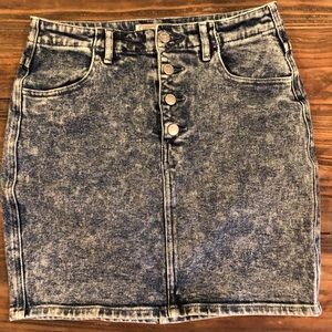 Denim acid wash skirt by Guess Jeans.